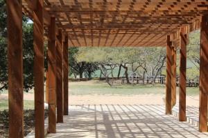מדוע כדאי לבנות פרגולות בבתים פרטיים?