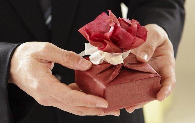 אילו מתנות אפשר לקנות לאישה