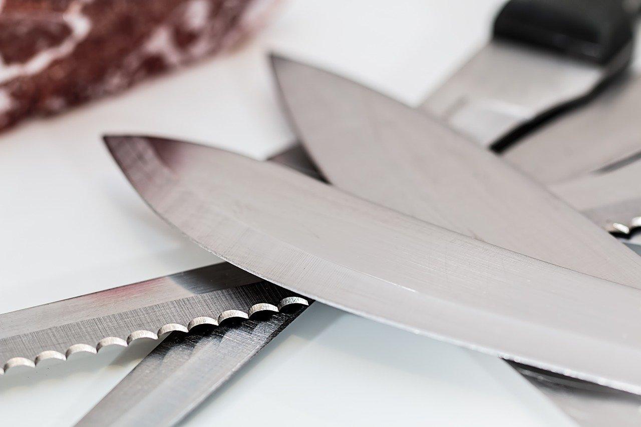 איך עובדת משחזת סכינים