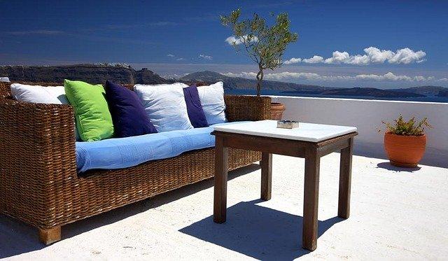 רהיטים לעיצוב הגינה והמרפסת