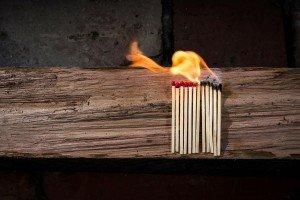 איך להרחיק חומרים דליקים מבני הבית?