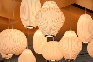 איך בוחרים תאורה לבית בצורה נכונה?