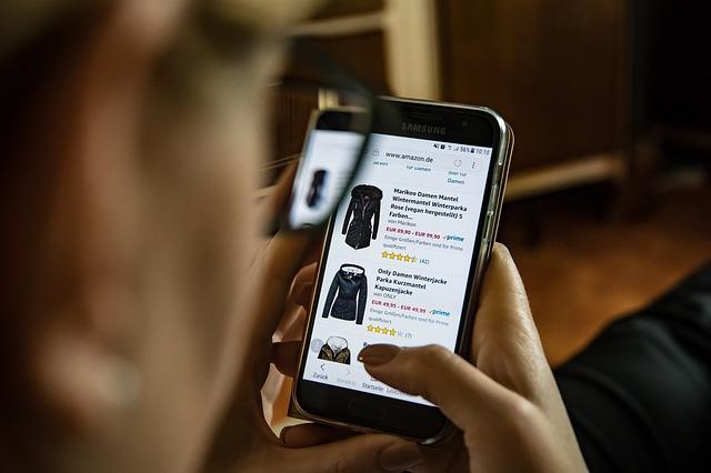 קניית בגדי ים באינטרנט