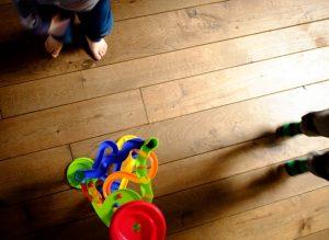 משחקי רצפה מגניבים שאפשר לקחת גם לסבתא
