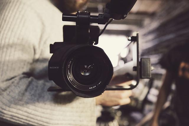 צילום וידאו DSLR – מה זה ומה ההבדל בינו לבין צילום רגיל?
