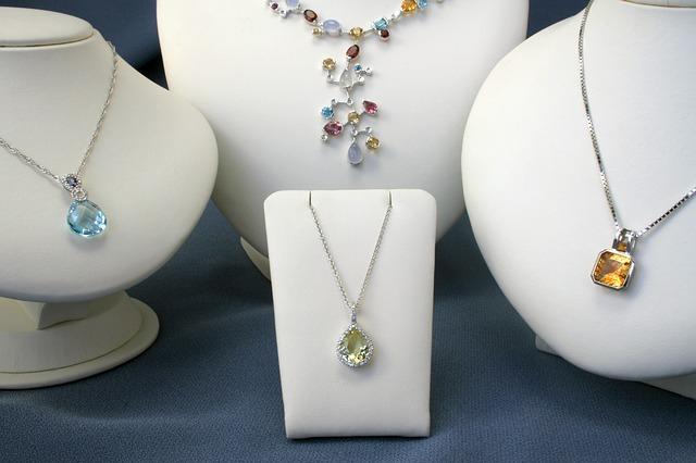 תליוני יהלומים – צועקים יוקרה