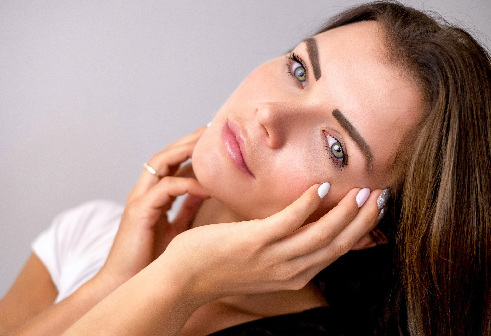 מיצוק העור – אילו טיפולים מומלצים