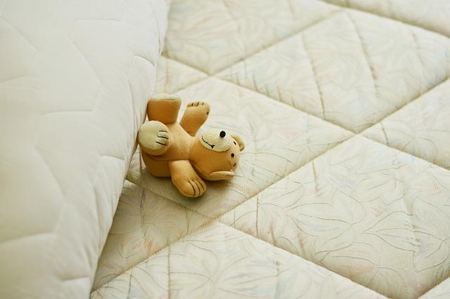 מיטה עם מזרון