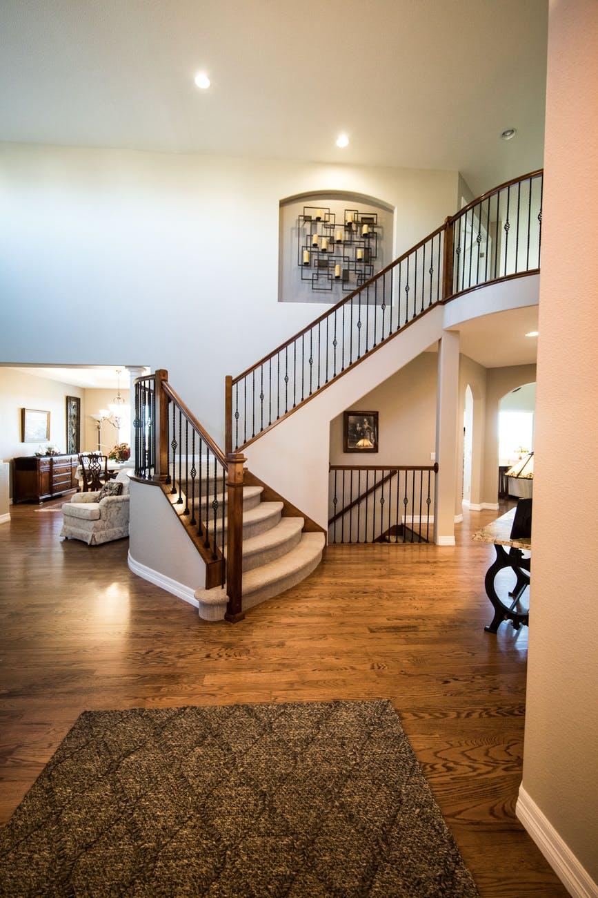 6 דרכים לאבטח את הבית שלכם לקראת ילד שרק התחיל ללכת