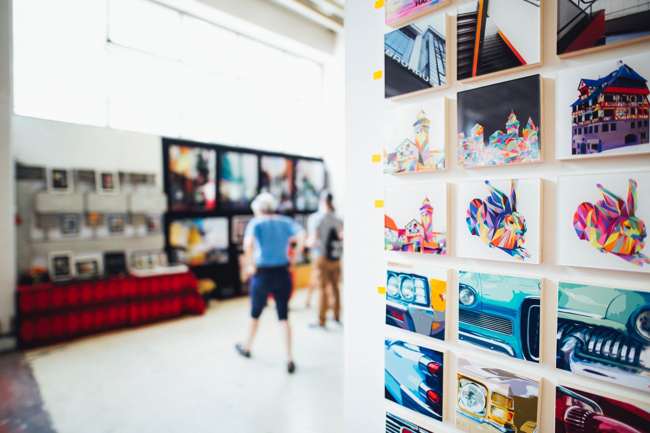 אוהבים אומנות? כך תתאימו את הציור לבית שלכם