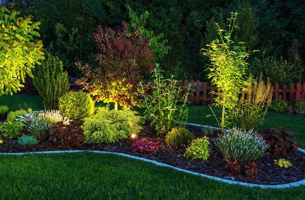 איך לבחור תאורה לגינה?