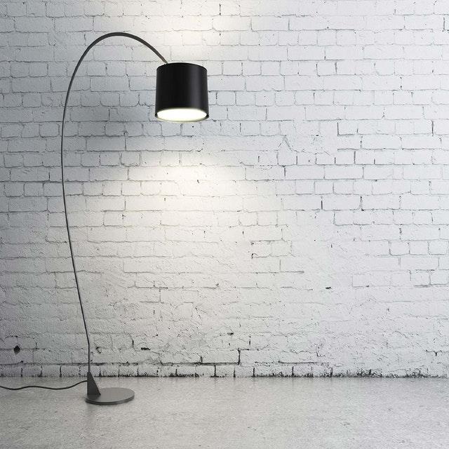 מנורה עומדת לסלון – ישן או מודרני