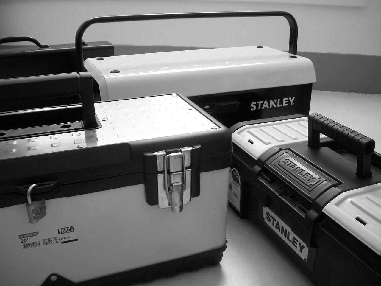 ספוג לארגזי כלים – 5 טיפים לעשות סדר בארגז הכלים שלכם
