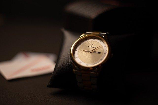 שעון שחור לגבר – איך רוכשים שעון לגבר